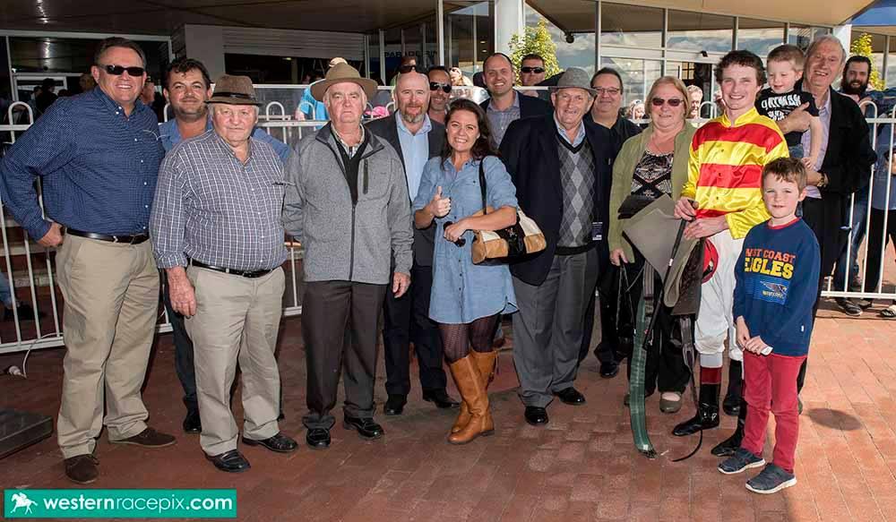 Where's Wally Owners - photo Western Racepix